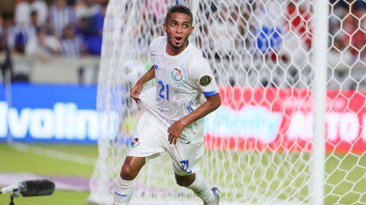 César Yanis anotó el segundo gol de Panamá ante Honduras