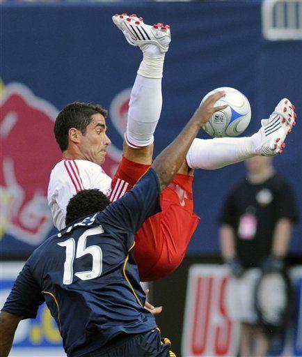 MLS: Galaxy 2, Red Bulls 2; LA empata sobre la hora