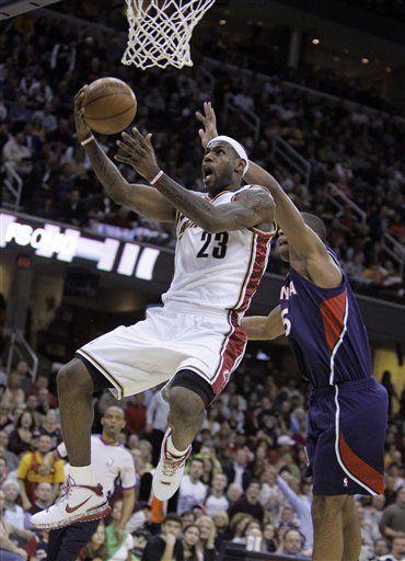 NBA: Cavaliers 102, Hawks 96; Williams y James brillan con Cavs