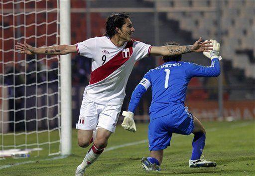 América: Perú doblega 1-0 a México con gol de Guerrero