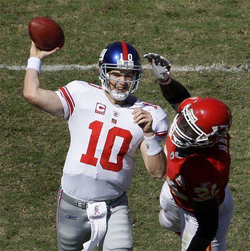 NFL: Giants 27, Chiefs 16; Manning da tres pases de anotación