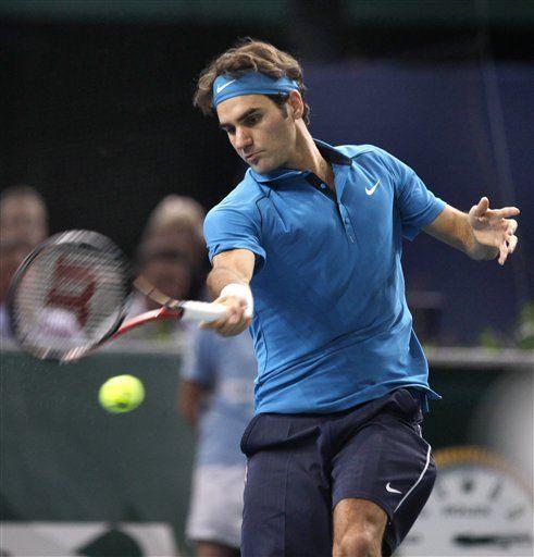 Federer vence a Tsonga y se alza con el Masters de París