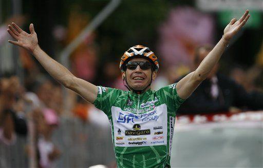 Sella gana penúltima etapa del Giro; Contador sigue de líder