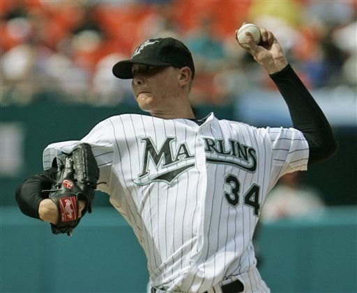 MLB: Marlins 9, Filis 5, Cantú remolca tres