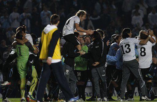 América: Victorino es baja por Uruguay para duelo con Perú