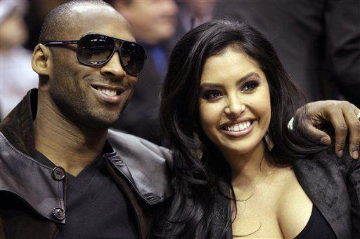 Esposa de Kobe Bryant presenta pedido de divorcio