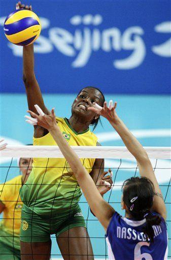Brasil sigue sin perder un set en vóleibol femenino olímpico