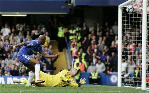 Inglaterra: Chelsea vence al Liverpool y queda solo en la cima
