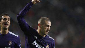 Campeones: Madrid y Chelsea líderes de grupo; Milan avanza