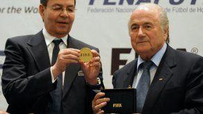 Liberan bajo fianza a expresidente hondureño en caso de la FIFA en EEUU
