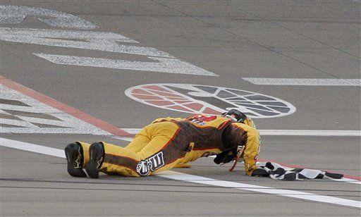 Busch gana carrera de la NASCAR en Las Vegas