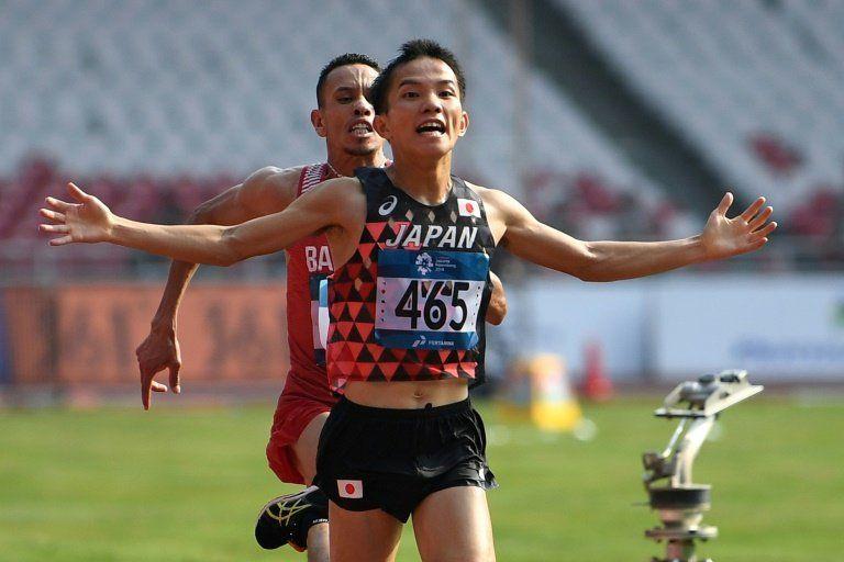 Vencedor de maratón en Juegos Asiáticos, acusado de empujar a su rival