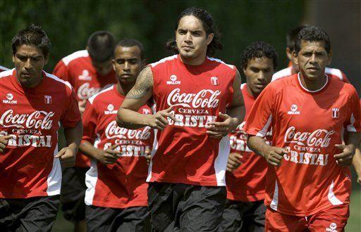 Mundial: Chile estudia fórmulas para vencer a Perú