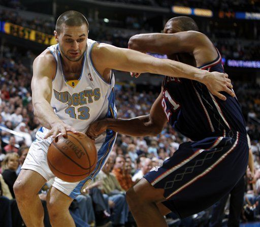 NBA: Nuggets 121, Nets 96; Nené y Smith encestan 19 puntos