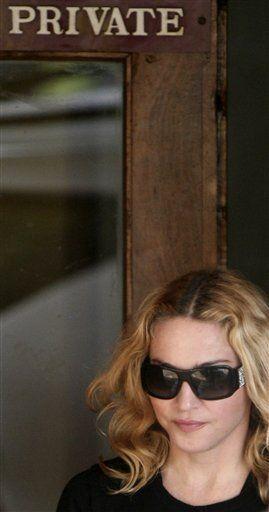 Juez aplaza al viernes solicitud de adopción de Madonna en Malawi