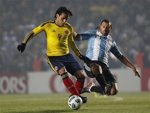América: Colombiano Martínez espera paciente para debutar