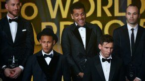 Cuatro jugadores del Barça y otros cuatro del Real Madrid en el once ideal de 2015