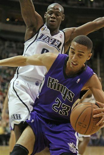 NBA: Jazz 102, Kings 89; Gracía anota 13 puntos