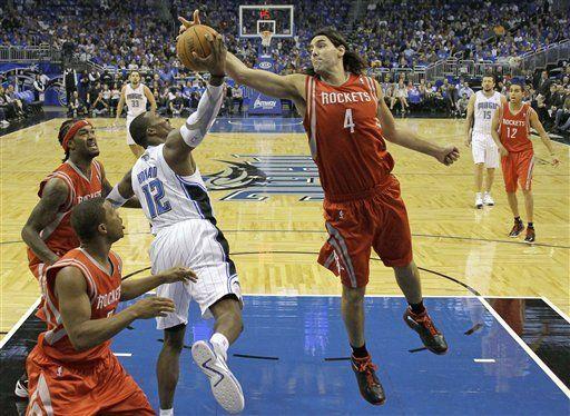 NBA: Magic 104, Rockets 95; Turkoglu luce en cuarto período