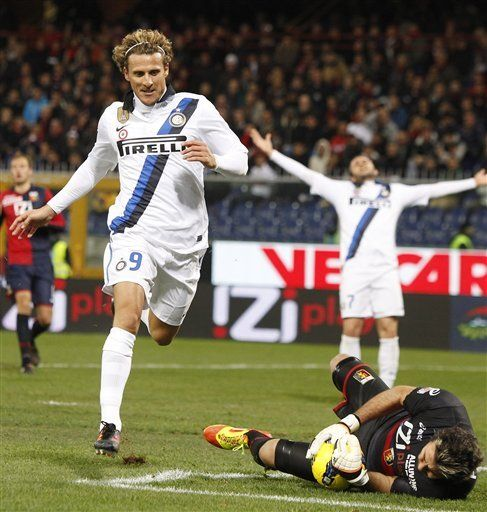 Italia: Uruguayo Forlán volvería al ataque del Inter