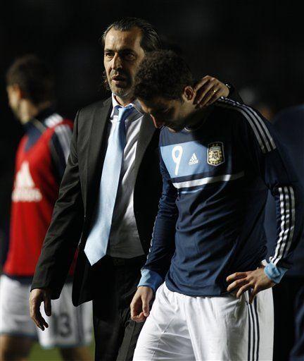 América: Maradona pide salida de Batista; teme por Messi