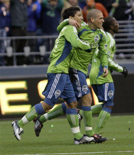 MLS: Seattle debuta con triunfo de 3-0 sobre NY
