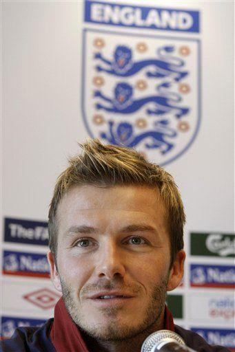 Beckham dice que el Milan lo ha acercado a récord con Inglaterra