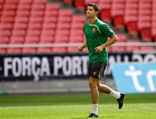 Cristiano Ronaldo modelará ropa interior de Armani