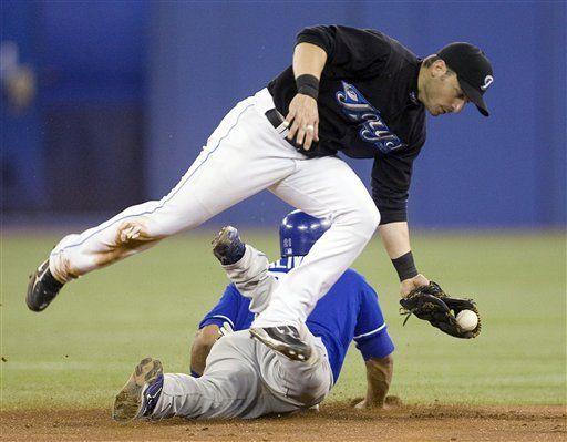 MLB: Azulejos 7, Reales 2, Scutaro jonronea