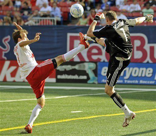 MLS: Red Bulls 2, Toronto FC 0
