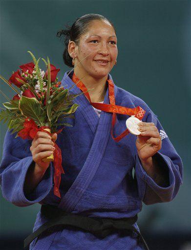 Mongolia gana su primer medalla y Cuba suma tres platas