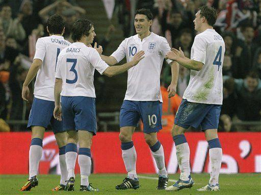 Inglaterra vence a Suecia por primera vez en 43 años