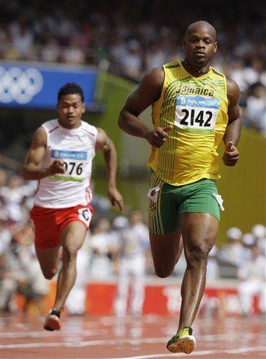 Powell domina los 100 metros; Catalayud avanza en 800 metros