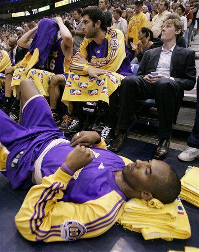 Bryant sigue sufriendo dolor de espalda