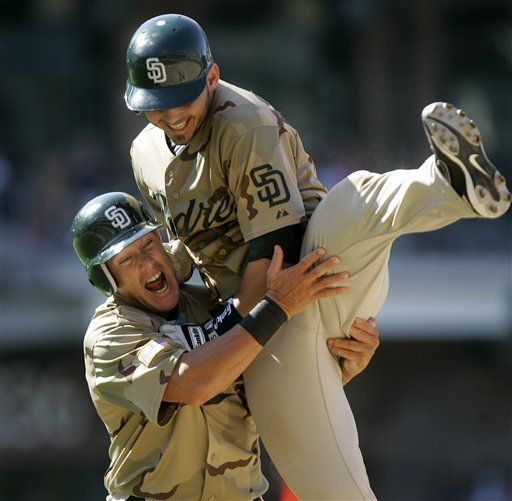 MLB: Padres 2, Rockies 1; Rodríguez empuja la del triunfo