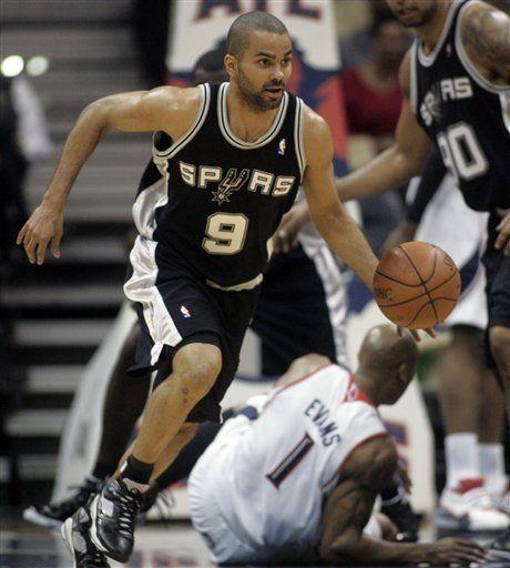 NBA: Spurs 102, Hawks 92; Parker mete 42