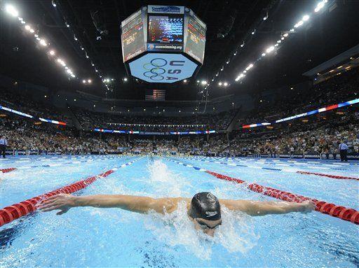 Phelps va nuevamente tras la marca de Spitz