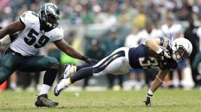 Rivers lanza 3 TDs y Chargers vencen a Eagles