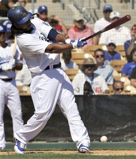 Manny Ramírez abandona juego por molestia en la pierna