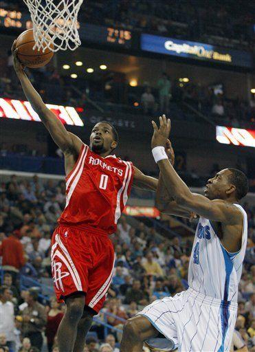 Artest cierra impetuoso victoria de Rockets sobre Hornets