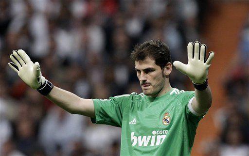 Casillas dice que seguirá siendo capitán del Real Madrid