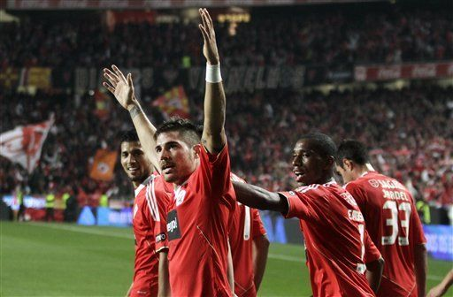 Benfica vence 1-0 al Sporting y se sube a la cima en Portugal