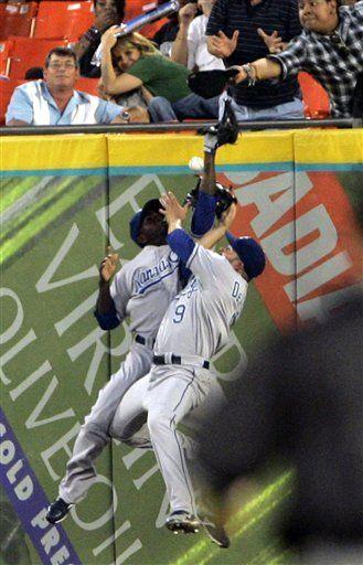 MLB: Marlins 7, Reales 3