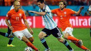 Robben y Messi estuvieron grises