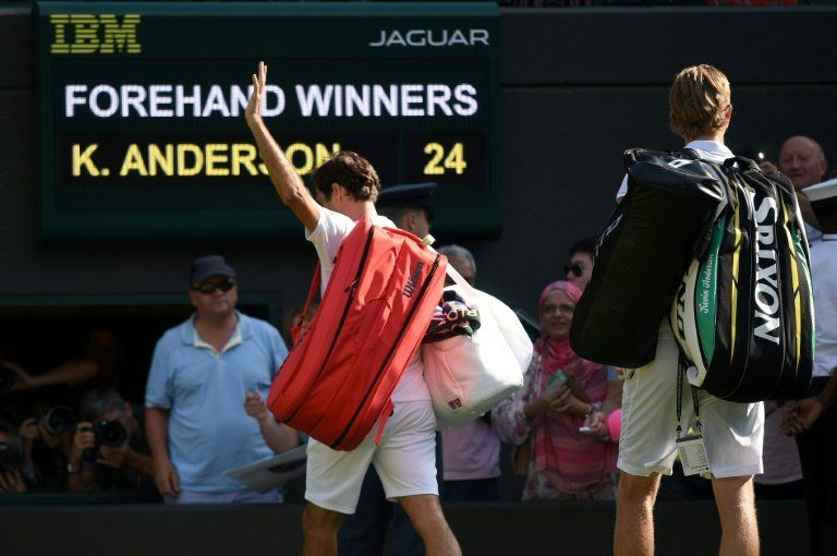 Federer se baja del torneo de Toronto