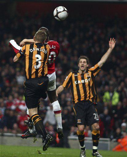 Arsenal supera 2-1 al Hull y llega a semifinales de la FA Cup