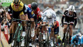 Groenewegen gana al esprint la segunda etapa de la París-Niza