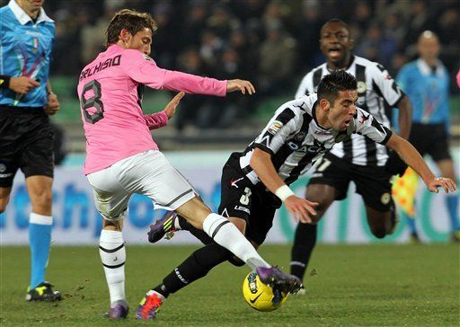 Italia: Udinese y Juventus empatan y favorecen al Milan