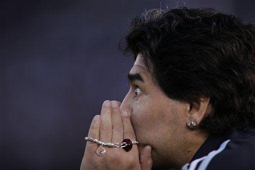 Mundial: Argentina vence 2-1 a Perú y sigue vida