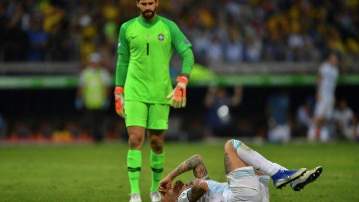 Queja de AFA ante Conmebol por groseros errores arbitrales en el Brasil-Argentina y por papel de Bolsonaro